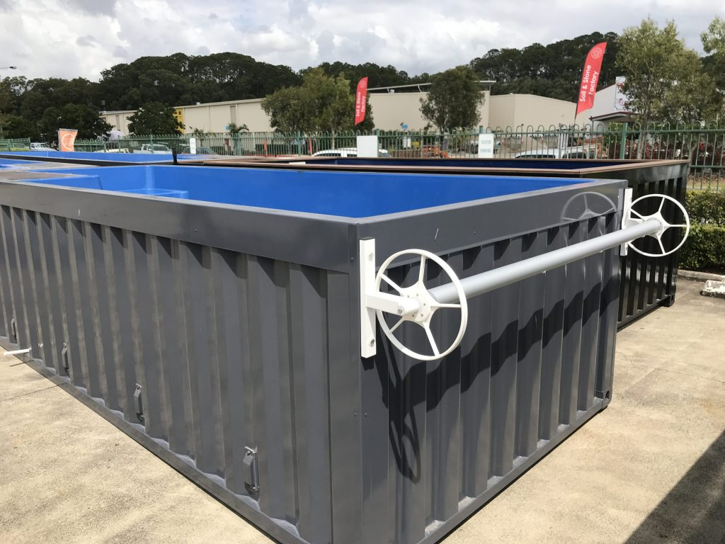 container pool with Daisy roller mounted
